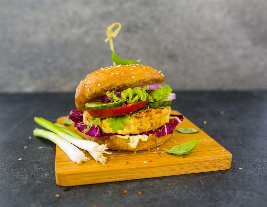 Hamburger mit veganem Fleischersatz