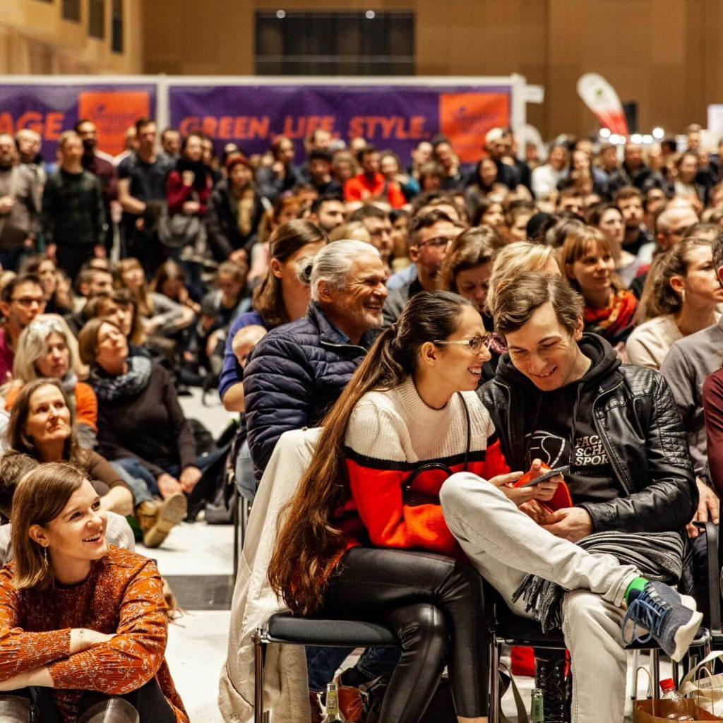 Publikum an der Bühne der VeggieWorld Wiesbaden 2020